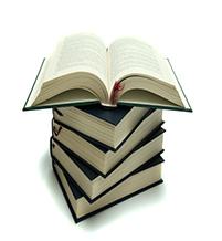 pile_books_til boks